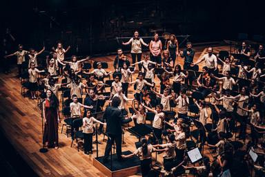 Concert de fin d'année à la Philharmonie de Paris   Du Parc, Ava. Photographe