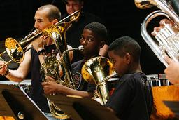 Les orchestres Démos d'Île-de-France, de la Réunion et de Bretagne | Du Parc, Ava. Photographe