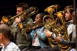 Concert des orchestres Démos Île-de-France et de l'orchestre passerelle du Soissonnais à la Philharmonie de Paris   Du Parc, Ava. Photographe